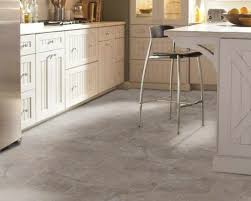 there are so many reasons to love the look of travertine tile throughout your home it has a classic old world look ideal for that tuscan kitchen design