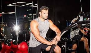 Though he's britney spears' boyfriend, he's also a personal trainer on the side and hopes to marry the pop singer someday. Sam Asghari Britney Spears Boyfriend Wiki Age Family Job Net Worth