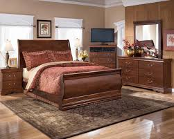 Sleigh Bed Set Q Piece Sleigh Bedroom Set In Dark Redbrown