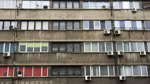 Image result for pensionari in bloc poze