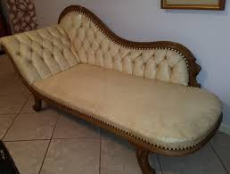 vintage fainting couch. Lot # : 70 - Vintage Fainting Couch Chaise Vintage Fainting Couch G