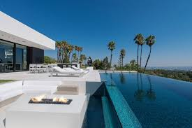 infinity pool house. Modren House Georgeous Fresh House Design White Wall And Infinity Pool With Downhill  Scenery Inside