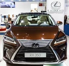 Lexus Class Action Claims Sunroof Spontaneously Shatters
