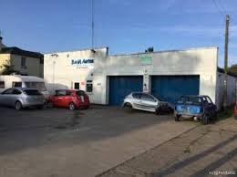 highly reble garage with mot centre main image