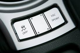 2012 Dodge Ram Traction Control Light On Common Problems With Traction Control News Cars Com