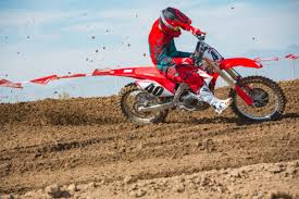 2018 honda 450f. fine 2018 the only engine change honda made to the crf450r for 2018 was map  one setting rollon power is now more linear and eliminates abrupt hit  to honda 450f