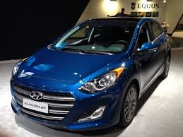 hyundai elantra 2015 blue. Perfect Hyundai Modest But Effective Cosmetic Changes Coupled With Significant  Infotainmentconnectivity Enhancements Add To The Appeal Of 2016 Hyundai Elantra GT That  And 2015 Blue