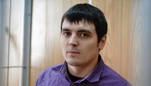 Бывший боец погибшей армии Илья Азар рассказывает за что  Бывший боец погибшей армии Илья Азар рассказывает за что преследуют журналиста РБК Александра Соколова meduza