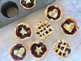 use a in tin to make super cute mini cherry pies