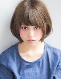 髪型重くなりにくい耳かけボブレイヤー ヘアカタログ銀座の美容