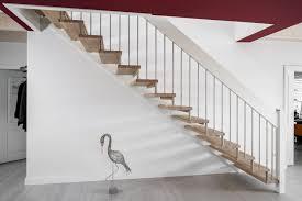 Edelstahlhandläufe bei gewendelten treppen zu montieren ist nicht so ganz einfach. Gerade Freitragende Treppe Stufen In Der Holzart Eiche Mosaik Weiss Geolt Gelanderstabe Und Distanzrollen Aus Edelstahl Freitragende Treppe Treppe Treppe Holz