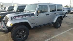 2018 4 door silver jeep wrangler unlimited rubicon