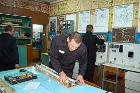 В Кировской области более тыс осужденных получат диплом о  Как сообщает пресс служба УФСИН по Кировской области обучение осужденных осуществляется по 25 наименованиям профессий оператор котельной швея