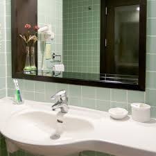 Decorating Bathroom Mirrors Large Mirror Simple Decorating Ideas For Bathrooms Large