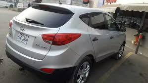 a vendre hyundai tucson full options ée 2016 89 000 km au pteur moteur essence boite manuelles 6 vitesses radar et écran de recul climatisé