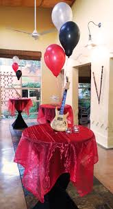 music themed table decor for 21st birthday party at cabanga kinda