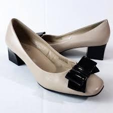 Ellen Tracy Shoes | Ellen Tracy Barton Bow Pumps Size 7m | Poshmark