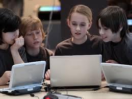 Resultado de imagem para crianças no computador