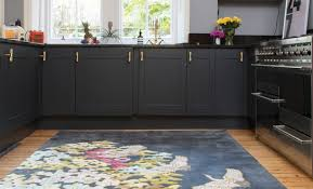 Win a Wendy Morrison design hand-stitched rug | i-on Magazine