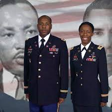 Captain Linda Wade and her husband Major Gary Wade   Military veterans,  United states armed forces, Armed forces