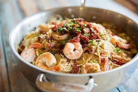 Mie pipih yang terbuat dari shirataki akan memberikan variasi masakan dirumah maupun usaha resto anda. 7 Resep Olahan Mie Shirataki Cocok Untuk Menu Dietmu Seruni Id