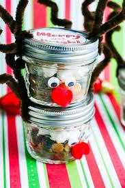 how adorable is this special diy reindeer hot chocolate gift idea food gifts like