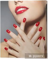 Obraz žena S Módní Nehty červené A Smyslné Rty Na Plátně