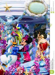 Mickey Und Minnie Mouse Bei Disneyland Paris Auf Parade Redaktionelles  Stockbild - Bild von florida, minnie: 58937349