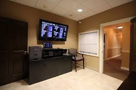 Q Spine Institute Paramus, NJ Orthopedic Surgeon Office Fish Aquarium  Consultation room and xrays