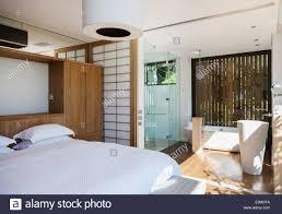 Luxus Schlafzimmer Und Bad En Suite Stockfoto Bild 71135102 Alamy