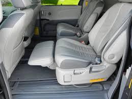 2014 Toyota Sienna takes family hauling seriously