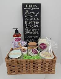 wedding gift basket ideas for bride and groom