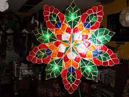Many parols nowadays are not anymore made of bamboo and paper, but also of  cellophane, plastic, rope, capiz shell and other indigenous materials.