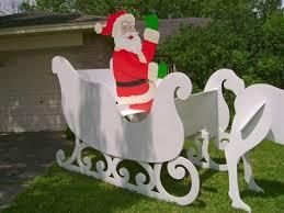 diy gigantic santa sleigh decor for lawn