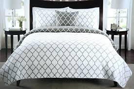 wonderful modern bedding sets quilted comforter best quilt ideas on quilts bedroom qui