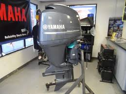 2016 150hp yamaha four stroke outboard motor to view original image