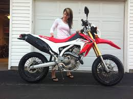 girlfriend and her 2013 crf250l supermoto conversion supermoto