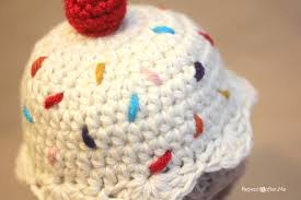 Crochet Cupcake Pattern Classy Crochet Cupcake Hat Pattern Repeat Crafter Me