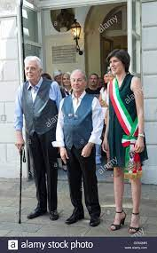TURIN, Italien - 6. August 2016: Der Bürgermeister Chiara Appendino die  erste Erklärung der union Zivilverfassung in Turin erhalten. Die erste