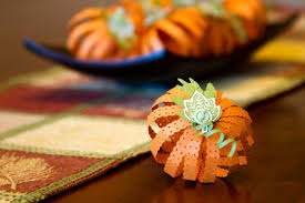 Thanksgiving decoration crafts are a great way to save money while getting  creative with your kids or just by yourself. Try these ideas for easy crafts  for ...