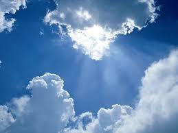 Si miro al cielo siento consuelo, porque aunque tu estes lejos... es el mismo techo