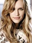 Jennifer Hanson [Universal]