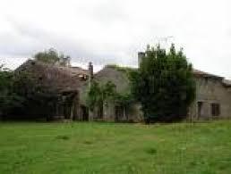maison à rénover avec dépendances et terrain