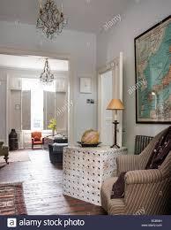 Holz Beistelltisch Von Selina Van Der Geest Im Wohnzimmer
