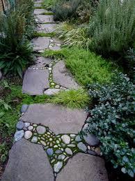 Dream Decorators Stone Mosaic Garden PathMosaic Garden Path