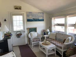 cozy cote on beautiful port bay with private dock in wolcott hotel rates reviews on orbitz