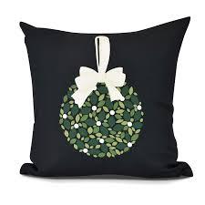 E By Design Pillows Amazon Com E By Design Phf970bk4 18 Mistletoe Me Decorative