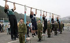 Шойгу разочаровал уровень физического воспитания солдат ru Физическая подготовка в армии Фото с сайта mil ru