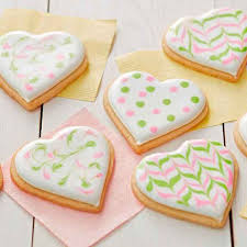 Here is my classic easy royal icing made with meringue powder. Easy Sugar Cookie Icing 3 Ingredient Recipe Wilton