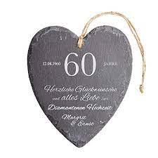 Doch nach der hochzeit gibt es. Casa Vivente Schieferherz Mit Gravur Zur Diamantenen Hochzeit Personalisiert Mit Namen Und Datum 60 Hochzeitstag Wanddeko Mit Juteband Amazon De Kuche Haushalt